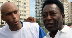 (FILE) Picture taken on April 12, 2007 of Brazilian football star Pele (R9 and his son, former footballer and coach of goalkeepers in Santos FC, Edson Cholbi Nascimento, aka Edinho, in Santos. A Brazilian court has sentenced football legend Pele's son Edinho to 33 years in prison for laundering money for drug traffickers, media reports said on May 31, 2014.   AFP PHOTO / MAURICIO DE SOUZA        (Photo credit should read MAURICIO DE SOUZA/AFP/Getty Images)
