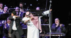 رابح صقر وهاني فرحات يأديان رقصة الداب
